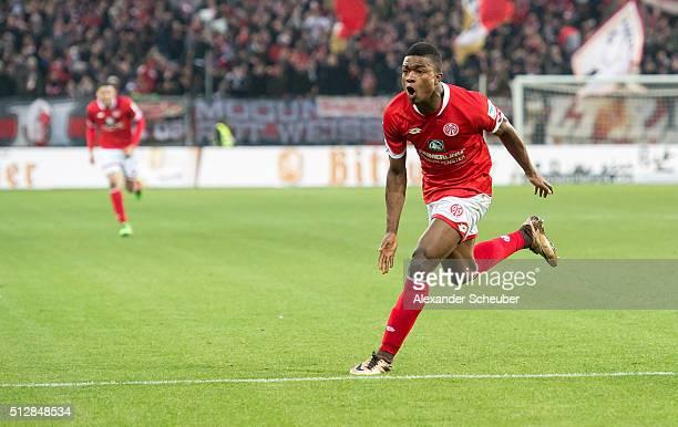 Jhon Cordoba of 1 FSV Mainz 05 celebrates the second goal for his team during the Bundesliga match between 1 FSV Mainz 05 and Bayer Leverkusen at...