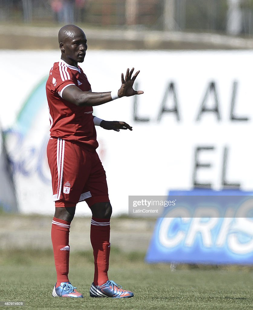 Jhon Cordoba of America de Cali in action during a match between America de Cali and Rionegro as part of Torneo Postobon 2014 at Tulio Ospina Stadium on April 05, 2014 in Bello, Colombia.
