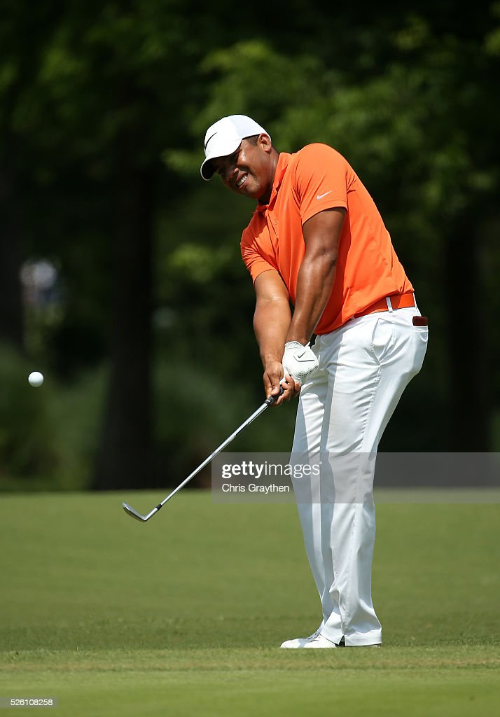 <a gi-track='captionPersonalityLinkClicked' href=/galleries/search?phrase=Jhonattan+Vegas&family=editorial&specificpeople=4466874 ng-click='$event.stopPropagation()'>Jhonattan Vegas</a> of Venezuela chips onto the first hole during the second round of the Zurich Classic of New Orleans at TPC Louisiana on April 29, 2016 in Avondale, Louisiana.