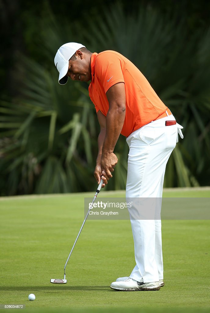 <a gi-track='captionPersonalityLinkClicked' href=/galleries/search?phrase=Jhonattan+Vegas&family=editorial&specificpeople=4466874 ng-click='$event.stopPropagation()'>Jhonattan Vegas</a> of Venezuela putts on the 15th hole during a continuation of the first round of the Zurich Classic of New Orleans at TPC Louisiana on April 29, 2016 in Avondale, Louisiana.
