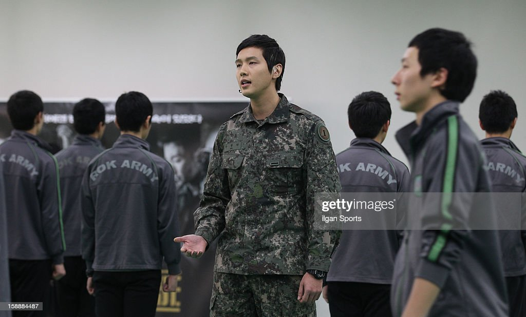 Ji Hyun-Woo (c) performs during the musical 'The Promise' rehearsal at Wooriarthall on December 27, 2012 in Seoul, South Korea.