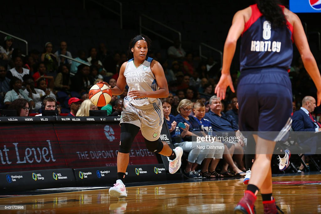 <a gi-track='captionPersonalityLinkClicked' href=/galleries/search?phrase=Jia+Perkins&family=editorial&specificpeople=544628 ng-click='$event.stopPropagation()'>Jia Perkins</a> #7 of the Minnesota Lynx drives to the basket against the Washington Mystics during game on June 26, 2016 at Verizon Center in Washington, District of Columbia.
