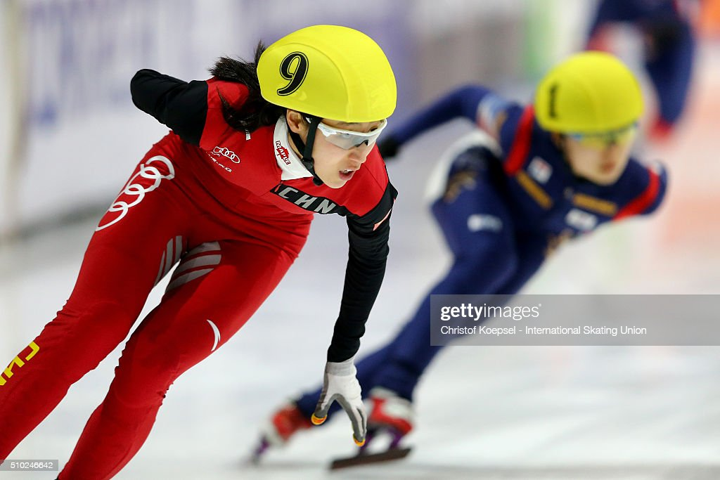 Jiaying Tao of China skates during the ladies 3000m relay final during Day 3 of ISU Short Track World Cup at Sportboulevard on February 14, 2016 in Dordrecht, Netherlands.