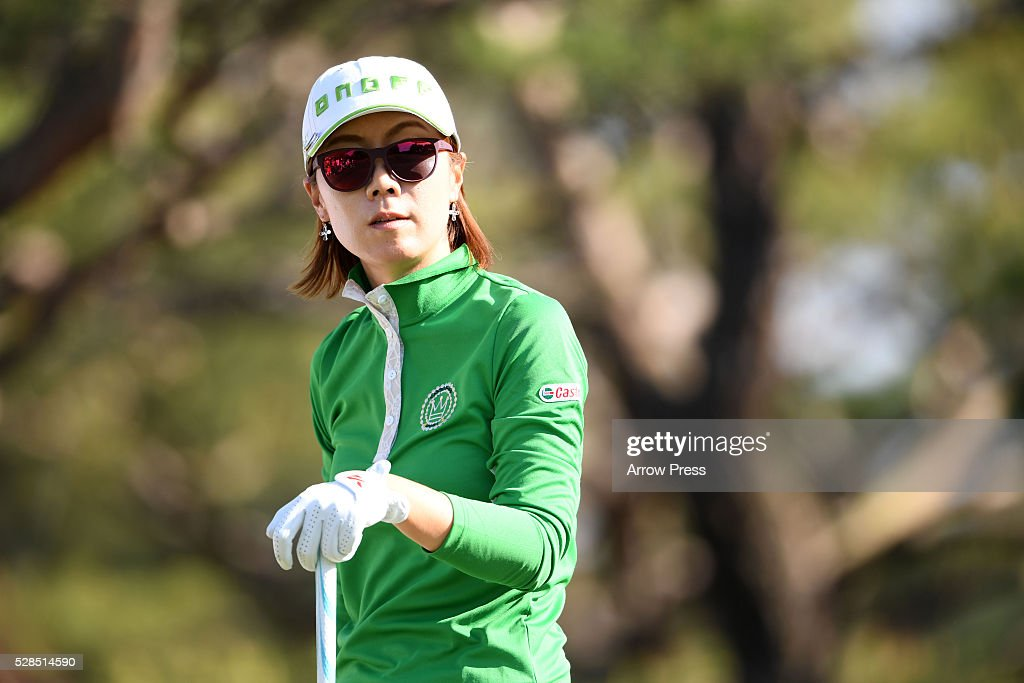 Ji-Hee Lee of South Korea Looks on during the first round of the World Ladies Championship Salonpas Cup at the Ibaraki Golf Club on May 5, 2016 in Tsukubamirai, Japan.