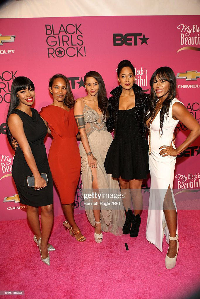 <a gi-track='captionPersonalityLinkClicked' href=/galleries/search?phrase=Jill+Marie+Jones&family=editorial&specificpeople=239481 ng-click='$event.stopPropagation()'>Jill Marie Jones</a>, Mara Brock Akil, <a gi-track='captionPersonalityLinkClicked' href=/galleries/search?phrase=Persia+White&family=editorial&specificpeople=210683 ng-click='$event.stopPropagation()'>Persia White</a>, <a gi-track='captionPersonalityLinkClicked' href=/galleries/search?phrase=Tracee+Ellis+Ross&family=editorial&specificpeople=211601 ng-click='$event.stopPropagation()'>Tracee Ellis Ross</a> and <a gi-track='captionPersonalityLinkClicked' href=/galleries/search?phrase=Golden+Brooks&family=editorial&specificpeople=211460 ng-click='$event.stopPropagation()'>Golden Brooks</a> attend BET Black Girls Rock at My Black Is Beautiful Red Carpet at New Jersey Performing Arts Center on October 26, 2013 in Newark, New Jersey.