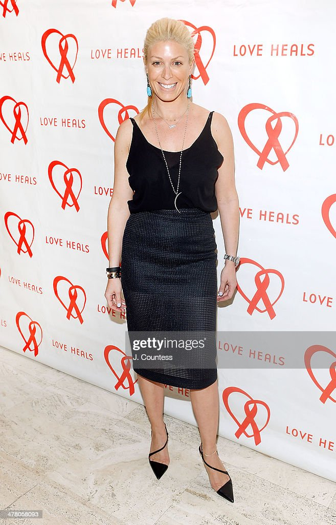 <a gi-track='captionPersonalityLinkClicked' href=/galleries/search?phrase=Jill+Martin&family=editorial&specificpeople=1549443 ng-click='$event.stopPropagation()'>Jill Martin</a> attends the Love Heals 2014 Gala at Four Seasons Restaurant on March 11, 2014 in New York City.