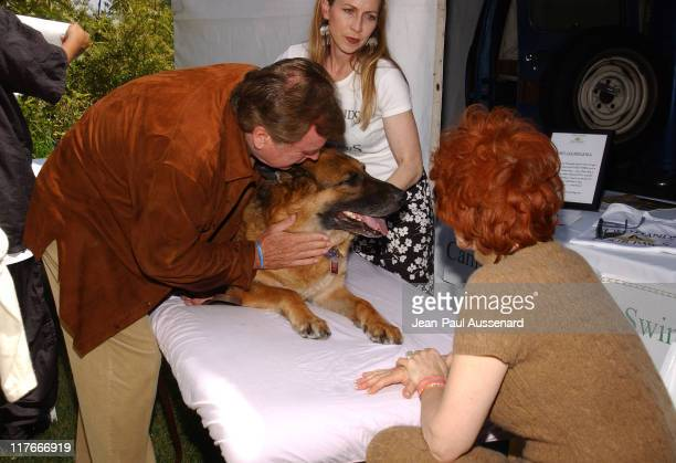 Jill St John Robert Wagner and their dog Larry at Two Hands Four Paws Photo by JeanPaul Aussenard/WireImage for Silver Spoon