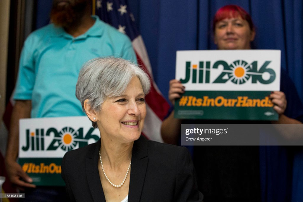Jill Stein smiles before announcing that she will seek the Green Party's presidential nomination, at the National Press Club, June 23, 2015 in Washington, DC. Stein also ran for president in 2012 on the Green Party ticket.