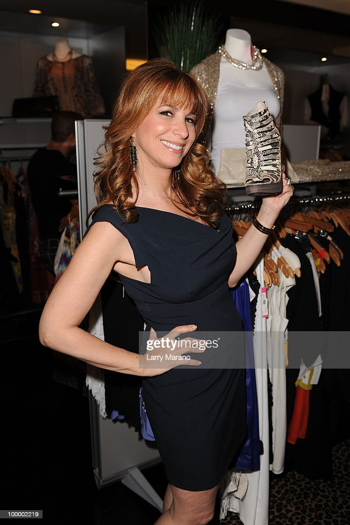 Jill Zarin attends a siging of her book 'Secrets of a Jewish Mother' at Alene Too on May 19, 2010 in Boca Raton, Florida.