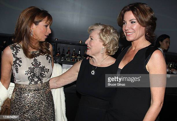 Jill Zarin Rolande Nadeau and daughter Countess LuAnn de Lesseps attend Victoria de Lesseps' 16th Birthday Party at Arena on December 11 2010 in New...