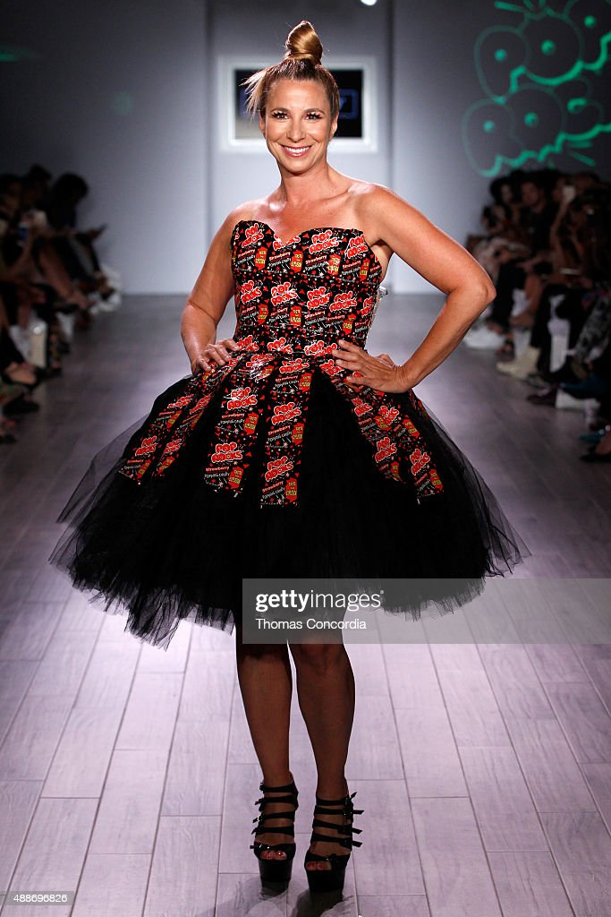 Jill Zarin walks the runway during KIA STYLE360 hosts Tumbler and Tipsy by Michael Kuluva on September 16, 2015 in New York City.