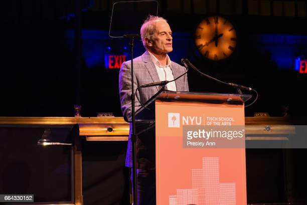 Jim calder stock photos and pictures getty images for Tisch schmal