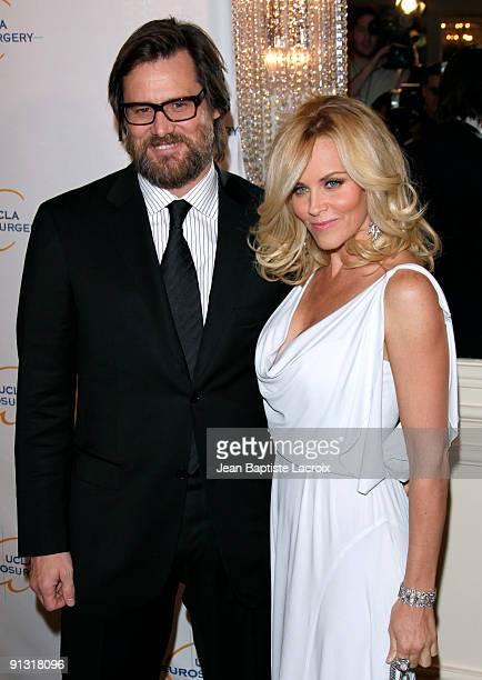 Jim Carrey and Jenny McCarthy arrives at the UCLA's 2009 Visionary Ball at the Beverly Wilshire Four Seasons Hotel on October 1 2009 in Beverly Hills...