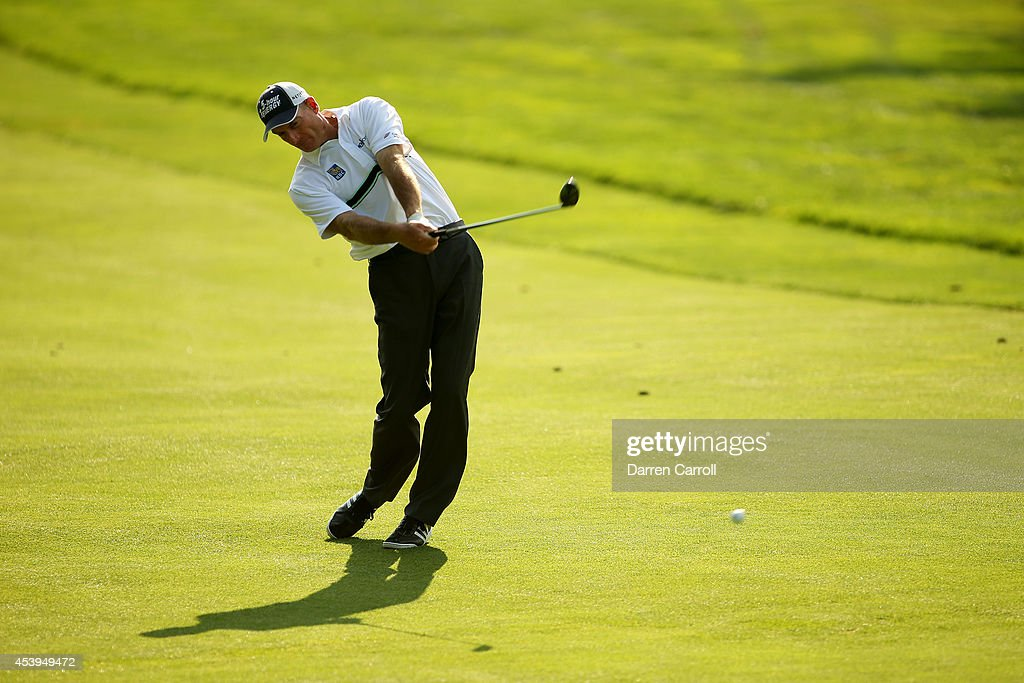 <a gi-track='captionPersonalityLinkClicked' href=/galleries/search?phrase=Jim+Furyk&family=editorial&specificpeople=202579 ng-click='$event.stopPropagation()'>Jim Furyk</a> plays his second shot on the 17th hole during the first round of The Barclays at The Ridgewood Country Club on August 21, 2014 in Paramus, New Jersey.