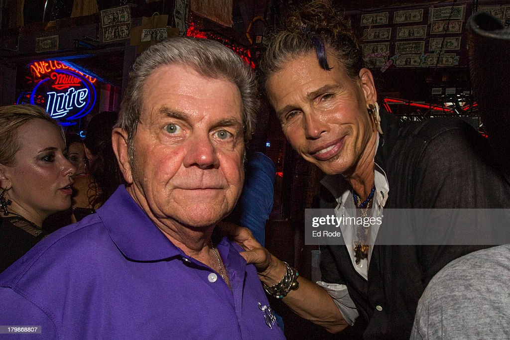 Jim (The Governor) Hall with Steven Tyler at Tootsie's Orchid Lounge on September 6, 2013 in Nashville, Tennessee.