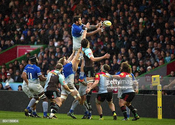 Jim Hamilton of Saracens and Charlie Matthews of Harlequins contest a lineout during the Aviva Premiership match between Harlequins and Saracens at...