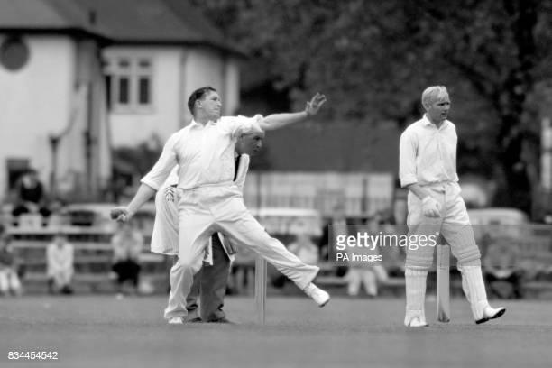 Jim Laker bowling for Essex