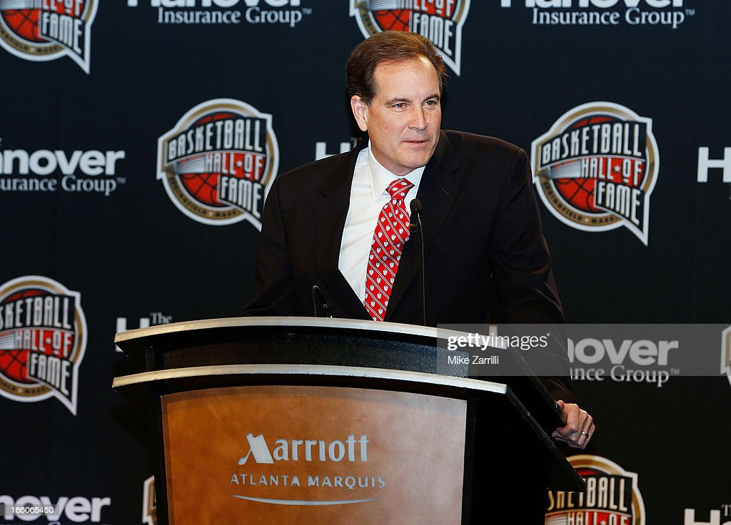 <a gi-track='captionPersonalityLinkClicked' href=/galleries/search?phrase=Jim+Nantz&family=editorial&specificpeople=700519 ng-click='$event.stopPropagation()'>Jim Nantz</a> speaks at the 2013 Naismith Memorial Basketball Hall of Fame ceremony at Marriott Marquis on April 8, 2013 in Atlanta, Georgia.