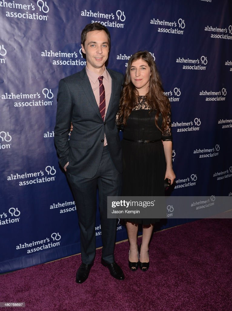 Jim Parsons and <a gi-track='captionPersonalityLinkClicked' href=/galleries/search?phrase=Mayim+Bialik&family=editorial&specificpeople=1539271 ng-click='$event.stopPropagation()'>Mayim Bialik</a> attend 22nd A Night At Sardi's at The Beverly Hilton Hotel on March 26, 2014 in Beverly Hills, California.