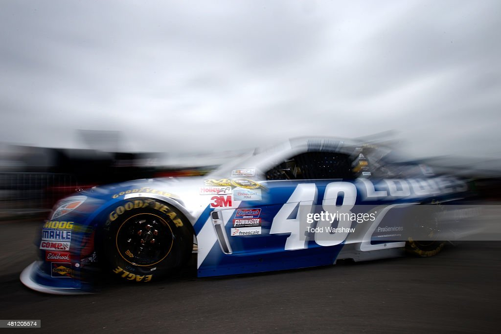 <a gi-track='captionPersonalityLinkClicked' href=/galleries/search?phrase=Jimmie+Johnson+-+Piloto+da+Nascar&family=editorial&specificpeople=171519 ng-click='$event.stopPropagation()'>Jimmie Johnson</a>, driver of the #48 Lowe's Chevrolet, drives through the garage area during practice for the NASCAR Sprint Cup Series 5-Hour Energy 301 at New Hampshire Motor Speedway on July 18, 2015 in Loudon, New Hampshire.