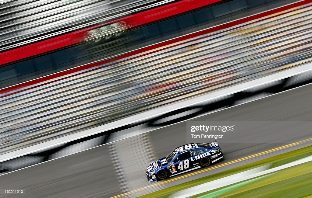 <a gi-track='captionPersonalityLinkClicked' href=/galleries/search?phrase=Jimmie+Johnson+-+Nascar+coureur&family=editorial&specificpeople=171519 ng-click='$event.stopPropagation()'>Jimmie Johnson</a>, driver of the #48 Lowe's Chevrolet, practices for the NASCAR Sprint Cup Series Daytona 500 at Daytona International Speedway on February 20, 2013 in Daytona Beach, Florida.
