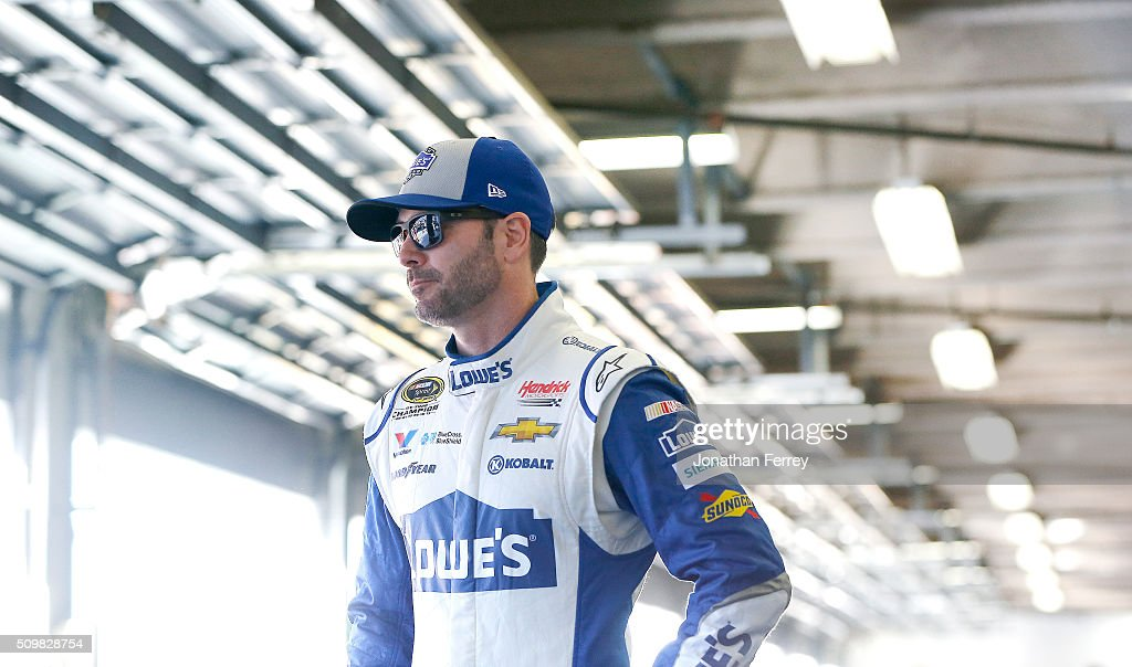 <a gi-track='captionPersonalityLinkClicked' href=/galleries/search?phrase=Jimmie+Johnson+-+Nascar+coureur&family=editorial&specificpeople=171519 ng-click='$event.stopPropagation()'>Jimmie Johnson</a>, driver of the #48 Lowe's Chevrolet, stands in the garage area during practice for the NASCAR Sprint Cup Series Sprint Unlimited at Daytona International Speedway on February 12, 2016 in Daytona Beach, Florida.