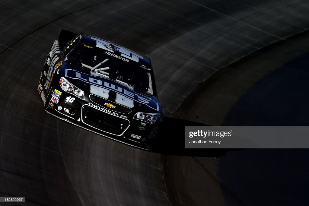 Jimmie Johnson drives the #48 Lowe's / Kobalt Tools Chevrolet during the NASCAR Sprint Cup Series AAA 400 at Dover International Speedway on September 29, 2013 in Dover, Delaware.
