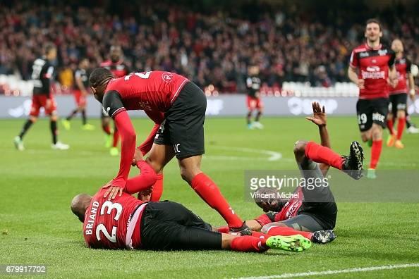 EA Guingamp v Dijon FCO - Ligue 1 : News Photo