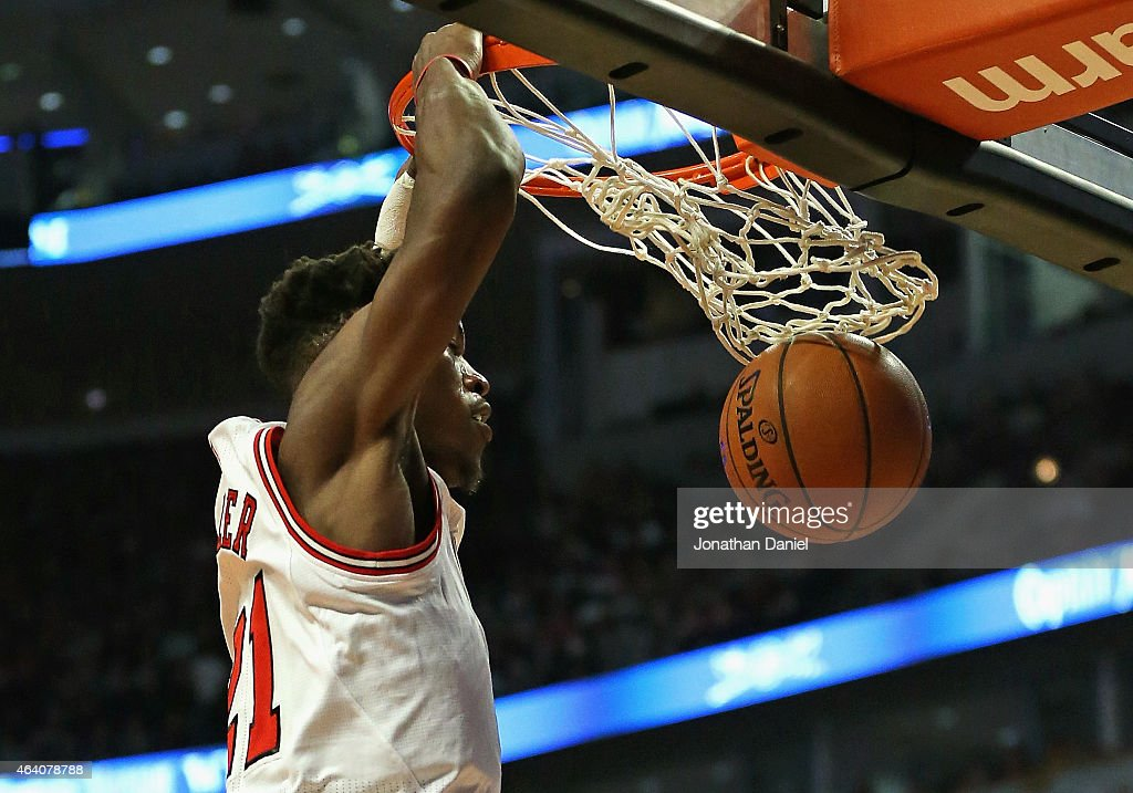 <a gi-track='captionPersonalityLinkClicked' href=/galleries/search?phrase=Jimmy+Butler+-+Basketbalspeler&family=editorial&specificpeople=9860567 ng-click='$event.stopPropagation()'>Jimmy Butler</a> #21 of the Chicago Bulls dunks against the Phoenix Suns at the United Center on February 21, 2015 in Chicago, Illinois.