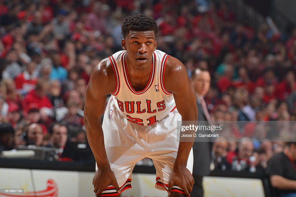<a gi-track='captionPersonalityLinkClicked' href=/galleries/search?phrase=Jimmy+Butler+-+Jugador+de+baloncesto&family=editorial&specificpeople=9860567 ng-click='$event.stopPropagation()'>Jimmy Butler</a> #21 of the Chicago Bulls rests during a break in the action against the Brooklyn Nets in Game Four of the Eastern Conference Quarterfinals during the 2013 NBA Playoffs on April 27, 2013 at United Center in Chicago, Illinois.