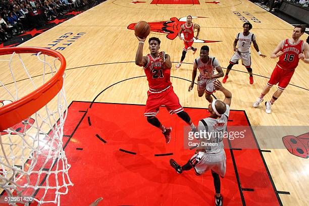 Jimmy Butler of the Chicago Bulls shoots the ball during the game against the Houston Rockets on March 5 2016 at the United Center in Chicago...