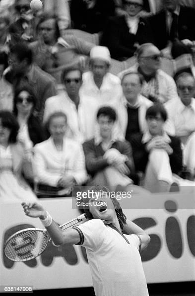 Jimmy Connors lors de la demifinale des Internationaux de France de RolandGarros le 8 juin 1979 à Paris France