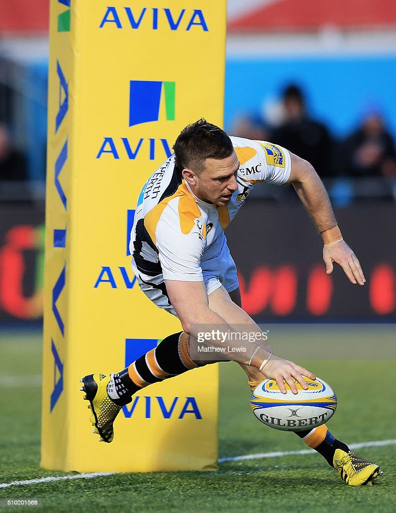 <a gi-track='captionPersonalityLinkClicked' href=/galleries/search?phrase=Jimmy+Gopperth&family=editorial&specificpeople=561375 ng-click='$event.stopPropagation()'>Jimmy Gopperth</a> of Wasps scores a try during the Aviva Premiership match between Saracens and Wasps at Allianz Park on February 14, in Barnet, England.
