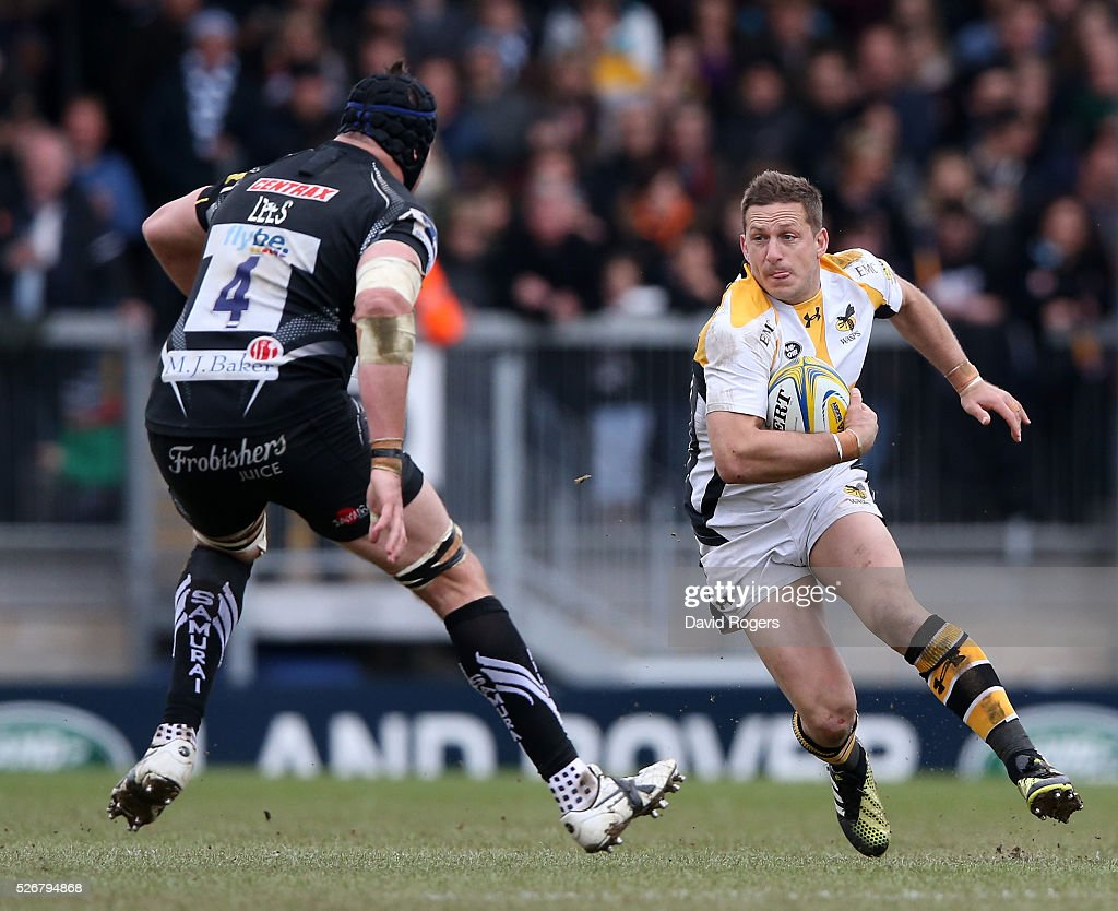 <a gi-track='captionPersonalityLinkClicked' href=/galleries/search?phrase=Jimmy+Gopperth&family=editorial&specificpeople=561375 ng-click='$event.stopPropagation()'>Jimmy Gopperth</a> of Wasps takes on Mitch Lees during the Aviva Premiership match between Exeter Chiefs and Wasps at Sandy Park on May 1, 2016 in Exeter, England.