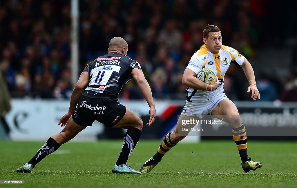<a gi-track='captionPersonalityLinkClicked' href=/galleries/search?phrase=Jimmy+Gopperth&family=editorial&specificpeople=561375 ng-click='$event.stopPropagation()'>Jimmy Gopperth</a> of Wasps takes on Olly Woodburn of Exeter Chiefs during the Aviva Premiership match between Exeter Chiefs and Wasps at Sandy Park on May 01, 2016 in Exeter, England.
