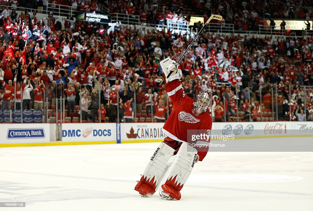 Jimmy Howard #35 of the Detroit Red Wings acknowledges fans after being names the first star of the game after defeating the Chicago Blackhawks 2-0 in Game Four of the Western Conference Semifinals during the 2013 NHL Stanley Cup Playoffs at Joe Louis Arena on May 23, 2013 in Detroit, Michigan. Detroit leads the series 2-0.