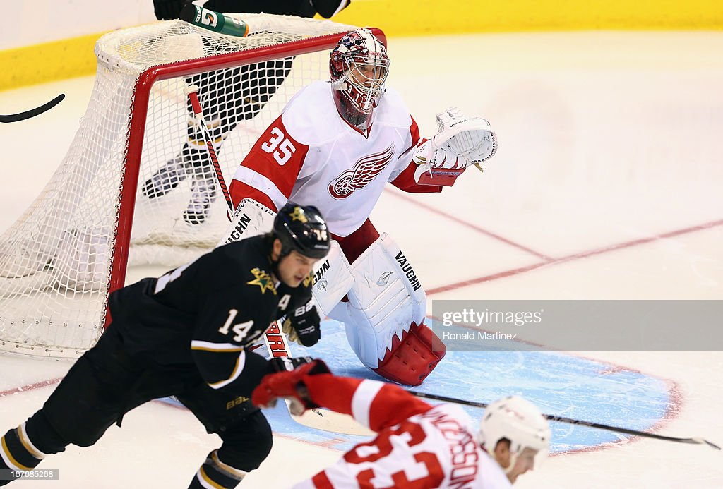 <a gi-track='captionPersonalityLinkClicked' href=/galleries/search?phrase=Jimmy+Howard&family=editorial&specificpeople=2118637 ng-click='$event.stopPropagation()'>Jimmy Howard</a> #35 of the Detroit Red Wings against the Dallas Stars at American Airlines Center on April 27, 2013 in Dallas, Texas.