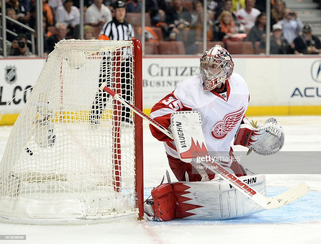 Jimmy Howard #35 of the Detroit Red Wings reacts as the shot of Teemu Selanne #8 of the Anaheim Ducks ends up in the net to give the Ducks a 2-1 lead during the third period in Game One of the Western Conference Quarterfinals during the 2013 Stanley Cup Playoffs at Honda Center on April 30, 2013 in Anaheim, California.