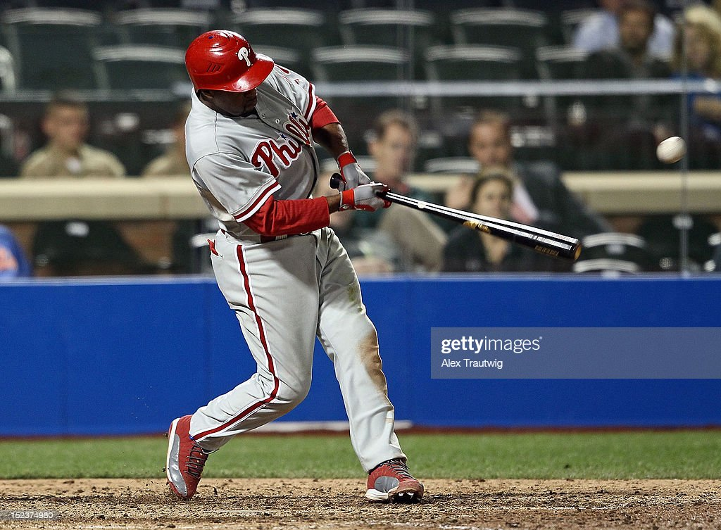 <a gi-track='captionPersonalityLinkClicked' href=/galleries/search?phrase=Jimmy+Rollins&family=editorial&specificpeople=204478 ng-click='$event.stopPropagation()'>Jimmy Rollins</a> #11 of the Philadelphia Phillies bats against the New York Mets at Citi Field on September 19, 2012 in the Flushing neighborhood of the Queens borough of New York City.