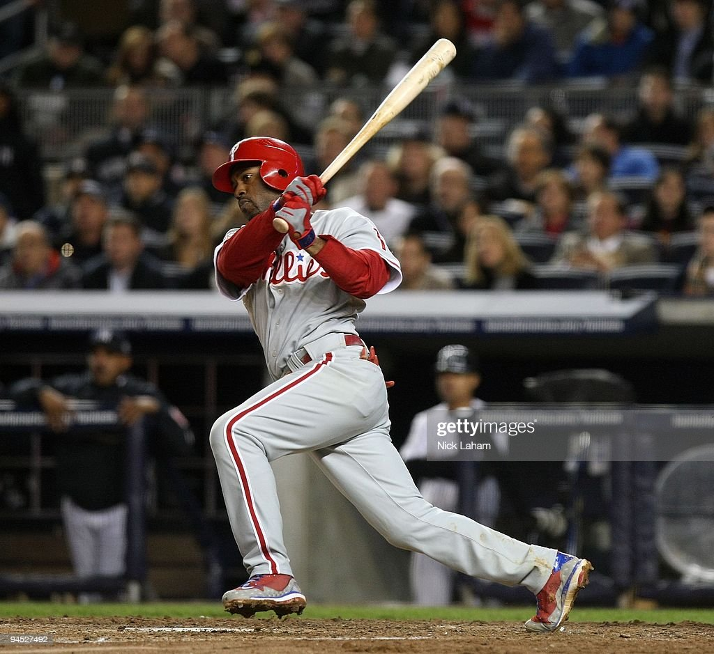 <a gi-track='captionPersonalityLinkClicked' href=/galleries/search?phrase=Jimmy+Rollins&family=editorial&specificpeople=204478 ng-click='$event.stopPropagation()'>Jimmy Rollins</a> #11 of the Philadelphia Phillies bats against the New York Yankees in Game Six of the 2009 MLB World Series at Yankee Stadium on November 4, 2009 in the Bronx borough of New York City. The Yankees won 7-3.