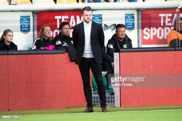 Jimmy Thelin head coach of Jonkopings Sodra looks on during the Allsvenskan match between IF Elfsborg and Jonkopings Sodra IF at Boras Arena on May...