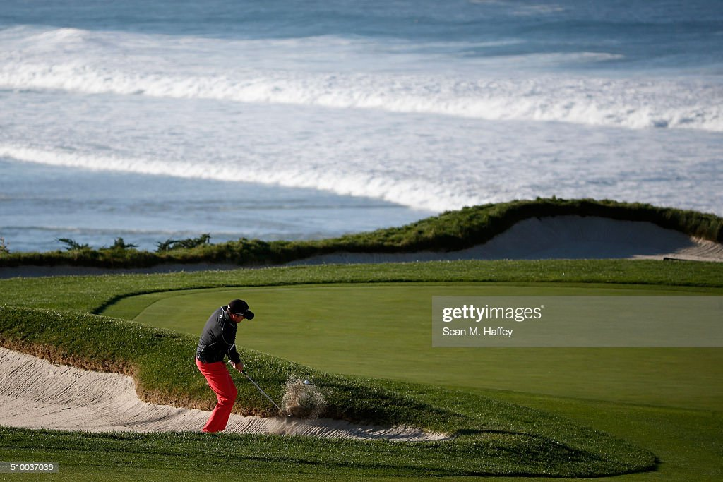 <a gi-track='captionPersonalityLinkClicked' href=/galleries/search?phrase=Jimmy+Walker+-+Golfista&family=editorial&specificpeople=11493198 ng-click='$event.stopPropagation()'>Jimmy Walker</a> plays a shot from the bunker on the 10th hole during round three of the AT&T Pebble Beach National Pro-Am at the Pebble Beach Golf Links on February 13, 2016 in Pebble Beach, California.