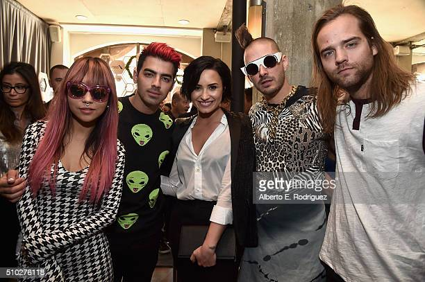 JinJoo Lee Joe Jonas Demi Lovato Cole Whittle and Jack Lawless attend Lucian Grainge's 2016 Artist Showcase Presented by American Airlines and Citi...