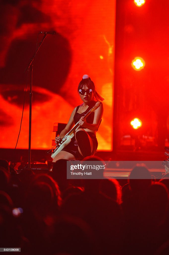 <a gi-track='captionPersonalityLinkClicked' href=/galleries/search?phrase=JinJoo+Lee&family=editorial&specificpeople=15059909 ng-click='$event.stopPropagation()'>JinJoo Lee</a> of DNCE performs at United Center on June 25, 2016 in Chicago, Illinois.