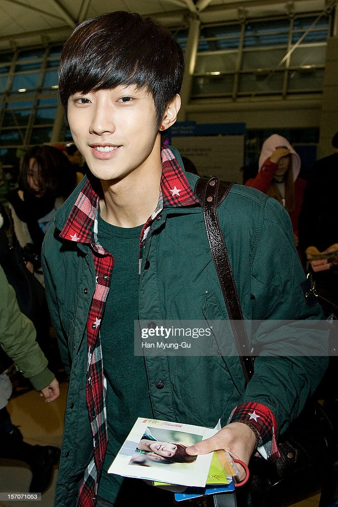 Jinyoung of South Korean boy band B1A4 is seen at Incheon International Airport on November 28, 2012 in Incheon, South Korea.