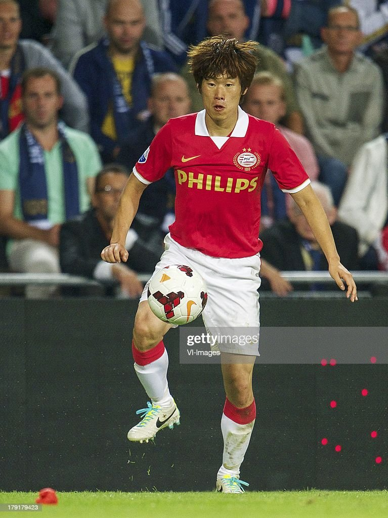 Ji-Sung Park of PSV during the Dutch Eredivisie match between PSV and SC Cambuur at Philips stadium on August 31, 2013 in Eindhoven, The Netherlands.