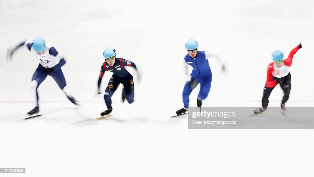 Jiwon Park (2nd from L) of South Korea competes in the 1000m Mens Semi Final during ISU Short Track Speed Skating World Cup held at The Sportboulevard on February 14, 2016 in Dordrecht, Netherlands.