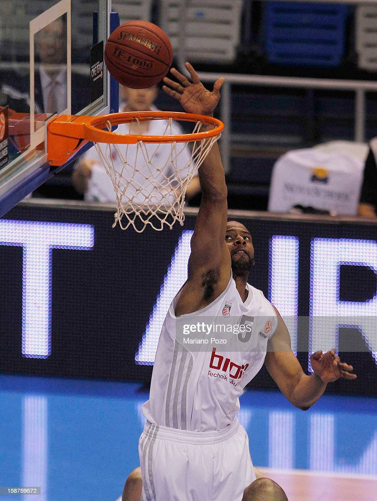 JJohn Goldsberry, #5 of Brose Baskets Bamberg in action during the 2012-2013 Turkish Airlines Euroleague Top 16 Date 1 between Unicaja Malaga v Brose Baskets Bamberg at Palacio Deportes Martin Carpena on December 27, 2012 in Malaga, Spain.