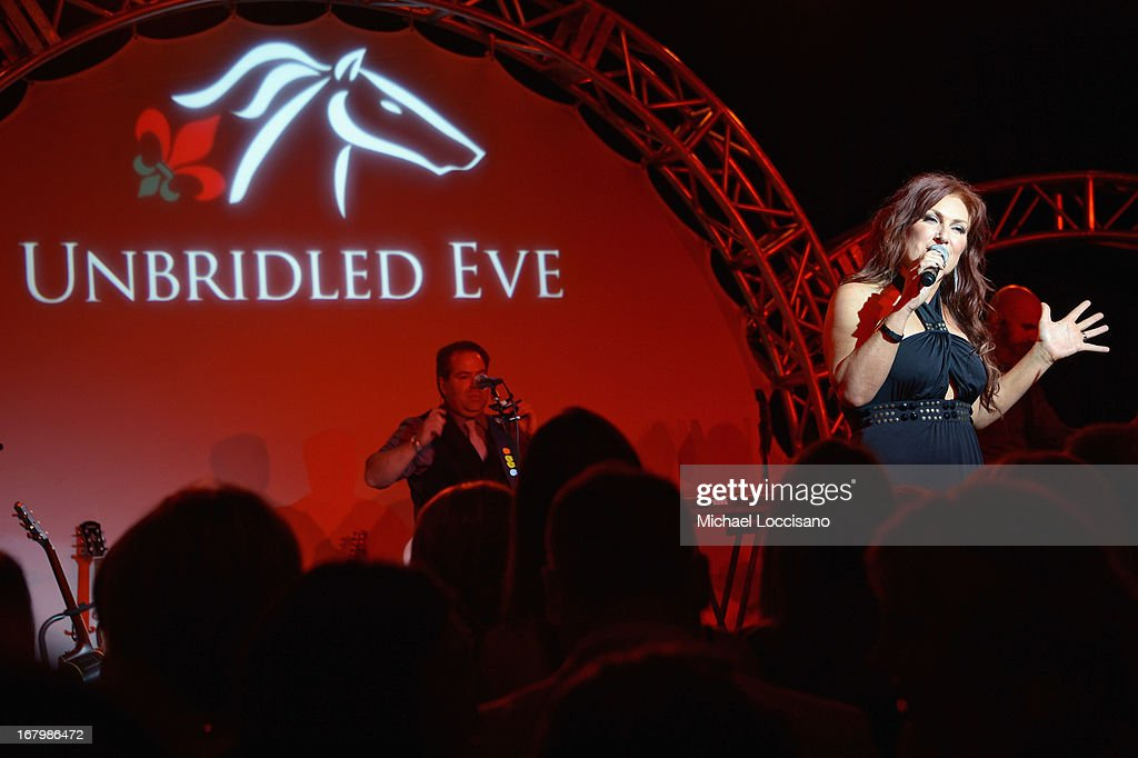 <a gi-track='captionPersonalityLinkClicked' href=/galleries/search?phrase=Jo+Dee+Messina&family=editorial&specificpeople=208168 ng-click='$event.stopPropagation()'>Jo Dee Messina</a> attends the Unbridled Eve Gala for the 139th Kentucky Derby at The Galt House Hotel & Suites' Grand Ballroom on May 3, 2013 in Louisville, Kentucky.