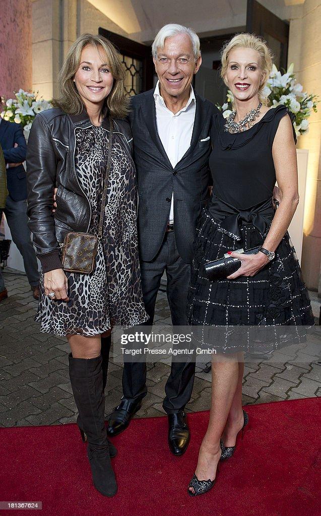 Jo Groebel, Caroline Beil and Grit Weiss attend the 'Fest der Eleganz und Intelligenz' at Villa Siemens on September 20, 2013 in Berlin, Germany.